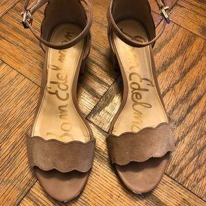 762a8adabf9e Sam Edelman Shoes - SE Inara Scalloped Block Heel Sandal